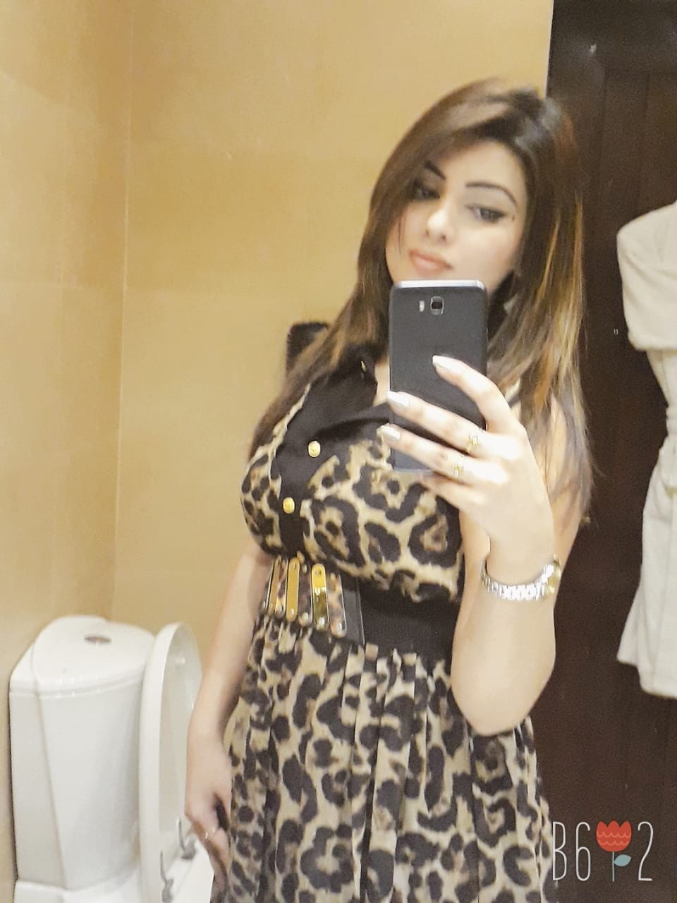 Sexy Escorts in Karachi